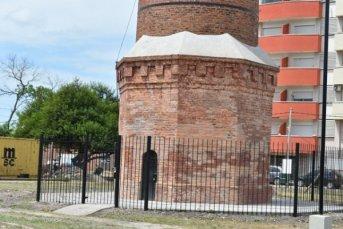 La Provincia concluyó la obra de restauración y refuncionalización de la chimenea COM