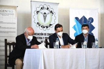 Valdés firmó convenio de cooperación con el municipio de Goya para fortalecer el Parque Industrial de la zona