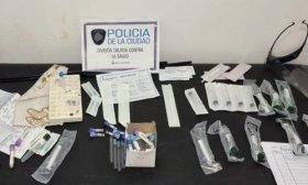 Detuvieron a tres mujeres que vend�an test PCR truchos por 3500 pesos