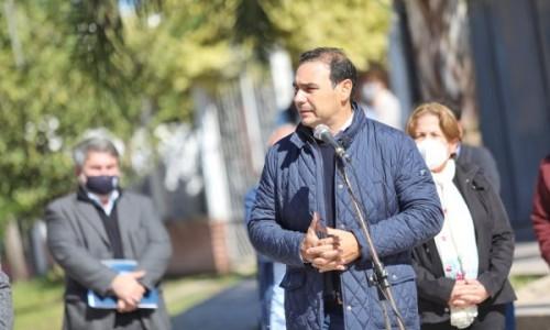 Gustavo Valdés inauguró varias cuadras de asfalto en Sauce