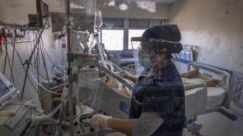 Otro día récord: 663 personas murieron por coronavirus en el país