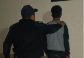 Joven robó una moto y vecinos ayudaron a que sea detenido