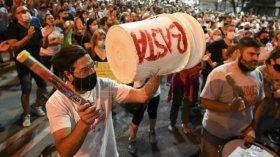 Cientos de personas reclamaron justicia y seguridad tras el asesinato de un arquitecto