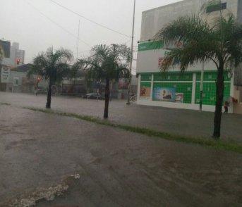 Llovió 140 milímetros, colapsaron los desagües y la ciudad se volvió a inundar